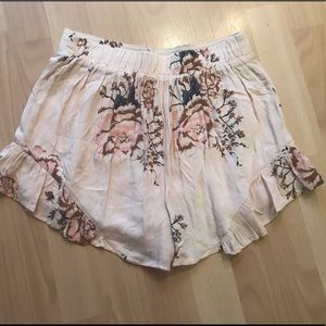 Cotton Candy Shorts - NWT Summer Floral Short